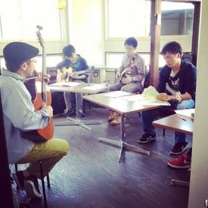 清水邦浩ギター教室ウクレレ教室 虎の穴グループレッスン