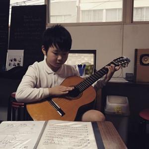 喫茶スロース子供のクラシックギター教室